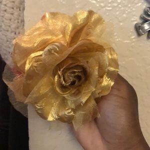 Gold flower pin/ hair pin
